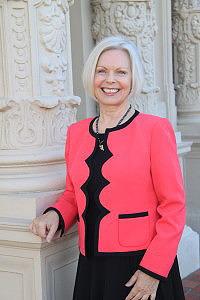 book officiant, wedding officiant Ema Drouillard